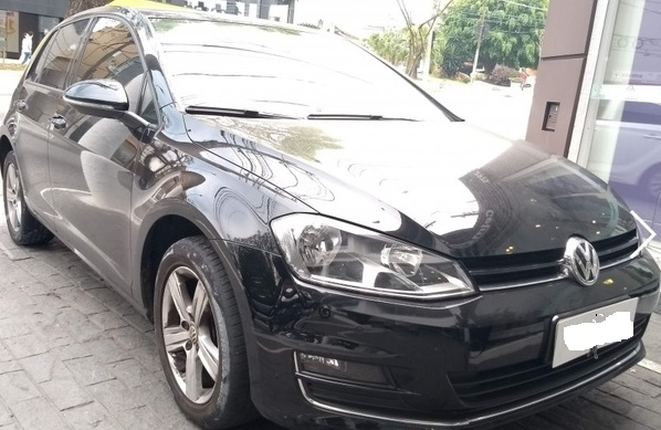 Veículo I/VW GOLF HIGHLINE AC ano 2015