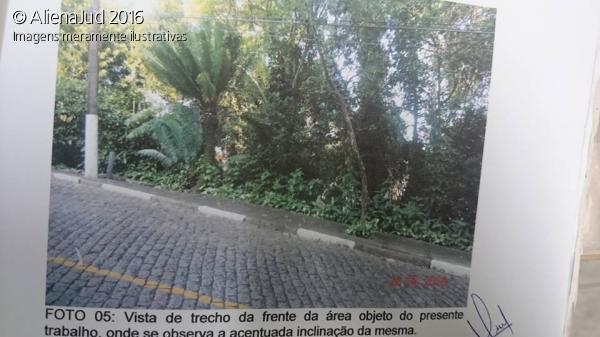 Cond. Vila Residencial Jardim de Santa Thereza - T
